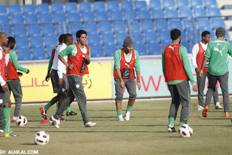 أخبار المنتخب السعودي ليوم الخميس 30/ 12/ 2010م: المنتخب السعودي يواصل تدريباته استعداداً لمواجهة المنتخب البحريني ودياً (تقرير - صور)  83237396521084716383