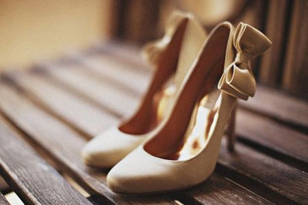 أحذية مميزة خصيصا لكي ... 120921184853xD47