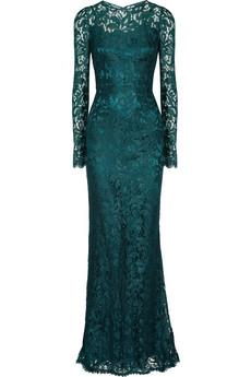الفساتين الطويلة  تخفي عيوب الجسم وأكثر أناقة 120926120543JgZy