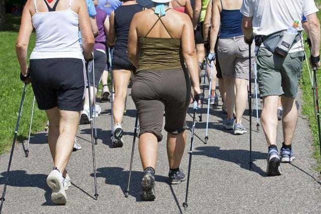 Marcher lentement serait mauvais pour la santé Topelement