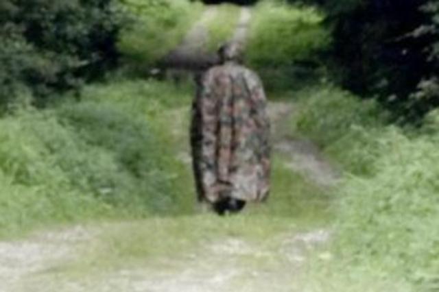Un inconnu masqué inquiète Gruyère Topelement