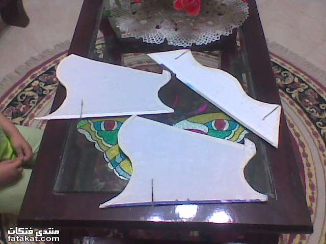 ome rayan الادوات بسيطه جدا كرتونه ومقص وقلم، نرسم الرسمه هكدا ونقصها 12905009037342