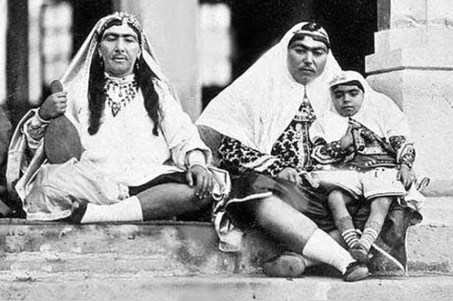 Если б я был султан (жены иранского шаха) 14891010-R3L8T8D-650-wife-05
