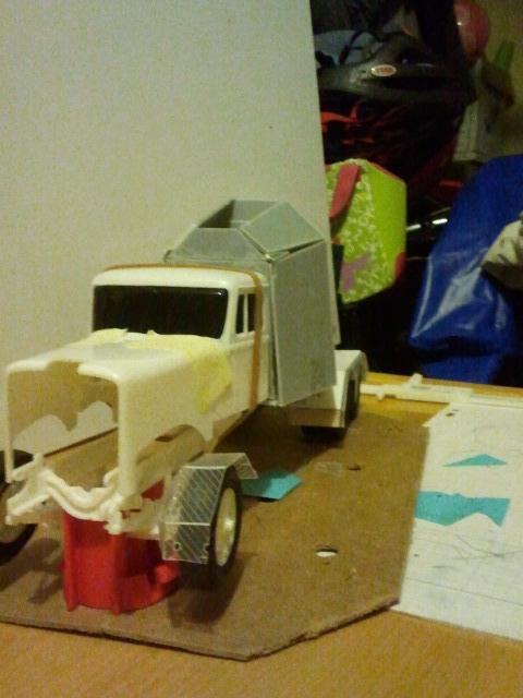 Wolf truck sur base de Diamond Reo AMT au 1/25 - Page 4 Wolf42