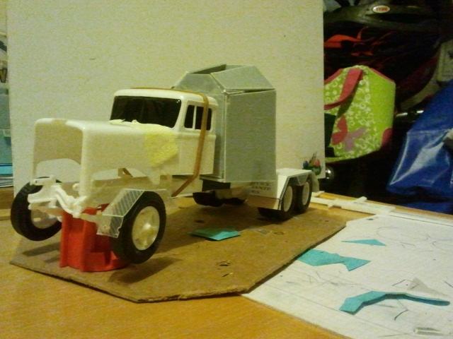 Wolf truck sur base de Diamond Reo AMT au 1/25 - Page 4 Wolf45