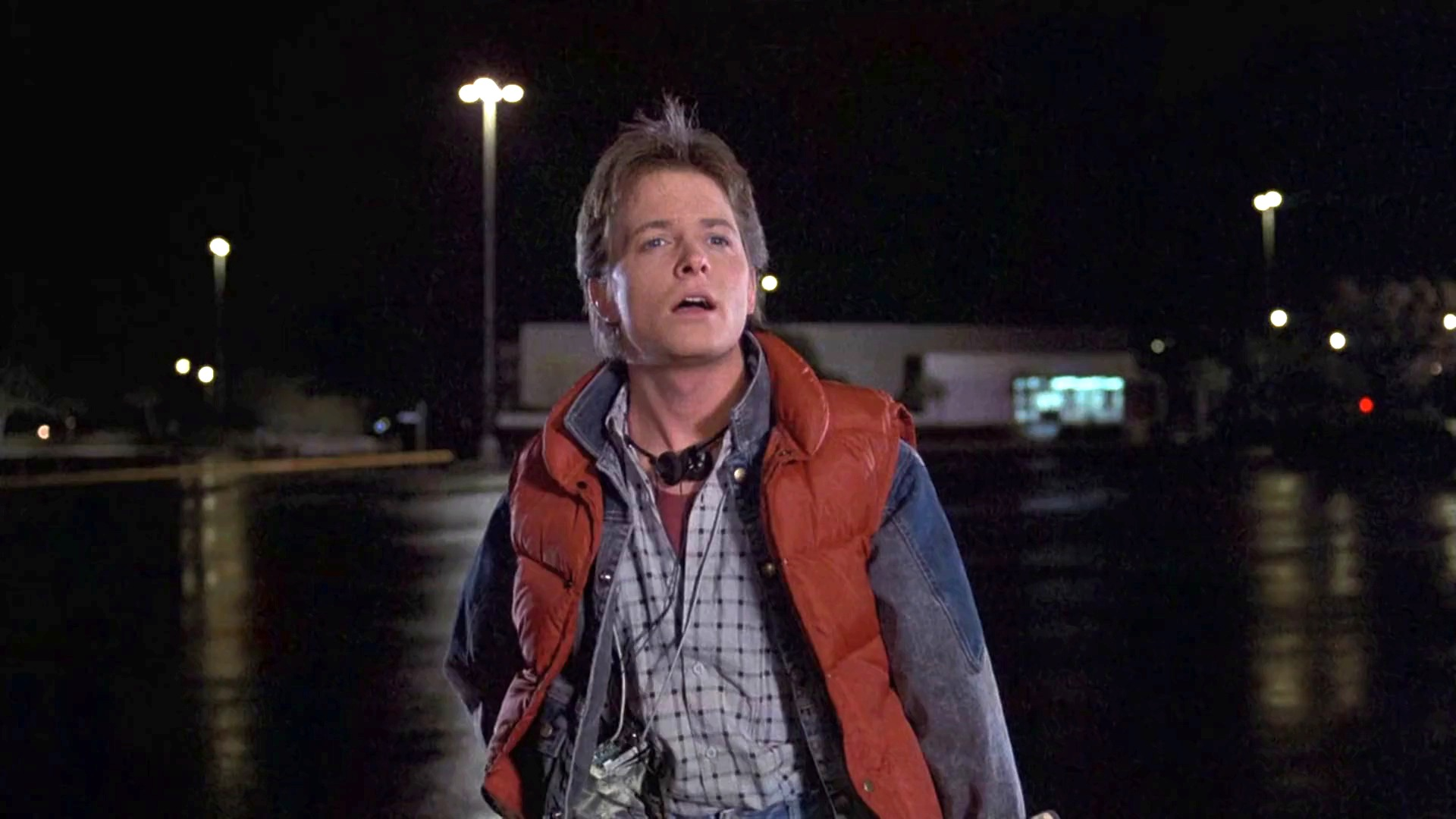 2016 - Page 3 Film-back_to_the_future-1985-marty_mcfly-michael_j_fox-jackets-red_down_vest