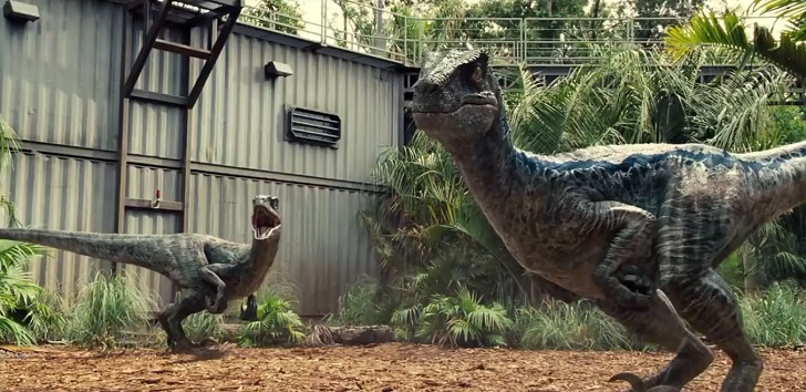 Jurassic World: How does it hold up? Jurassic-World-raptors-cage