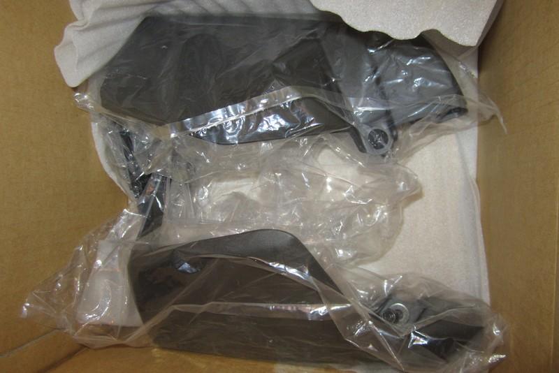 [Vendu] Protèges mains adaptables sur 2001-2005 Pm1