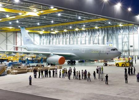 "Airbus A330 MRTT (Multi Role Tanker Transport, ""Avión de transporte/cisterna multipropósito"")  A330-MRTT-de-la-RAF-450x326"