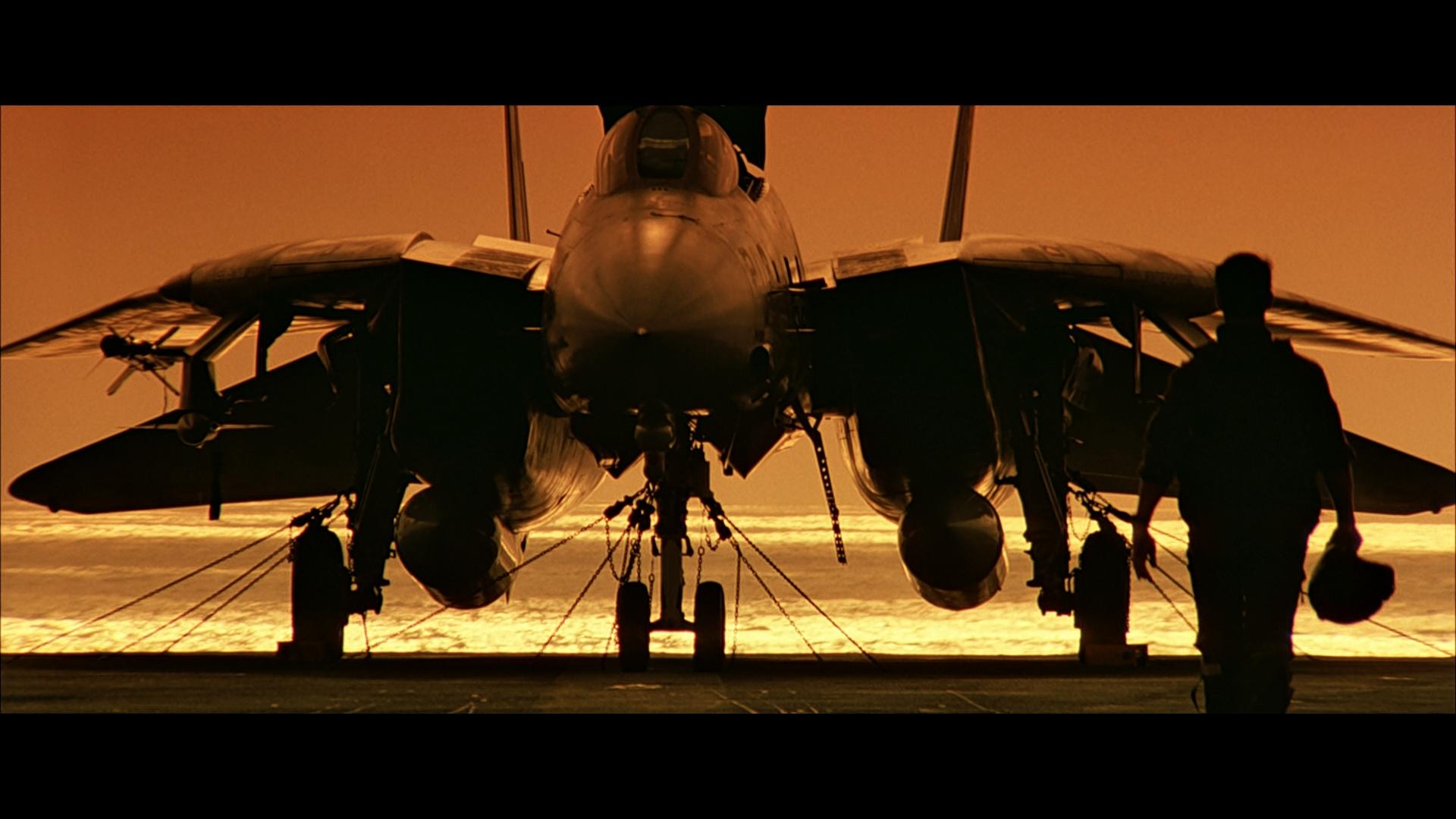 وحوش المقاتلات  الاعتراضية. - صفحة 2 Top_gun_sunset