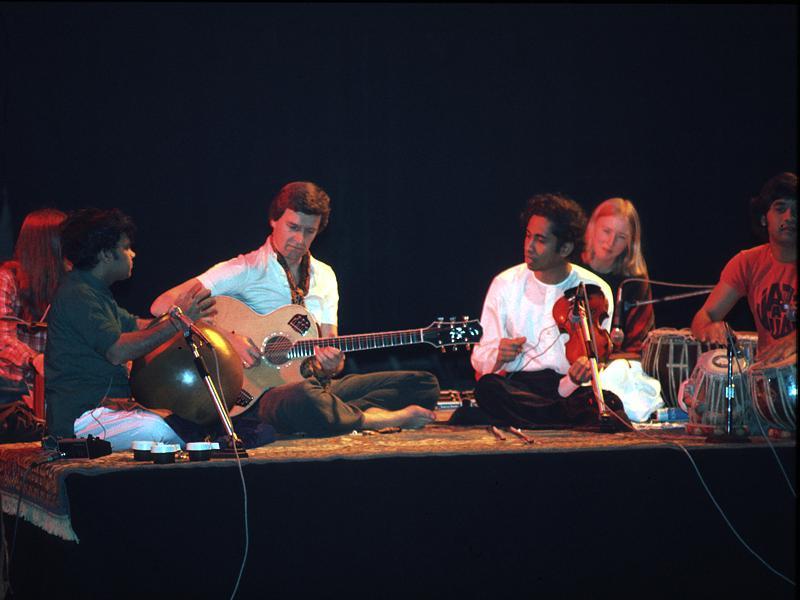 World Music, ethno-jazz, etc... Shakti_mc_laughlin02