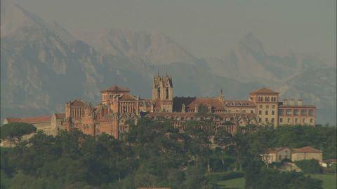 C'est de toute beauté : sites et lieux magnifiques de notre monde. 494498279-comillas-education-universite-vie-quotidienne