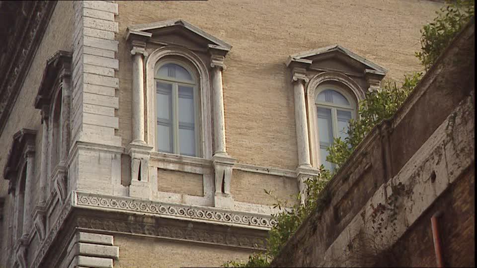 Des fenêtres d'hier et d'aujourd'hui. 193187791-palazzo-farnese-renaissance-rome-cite-fenetre-architecture