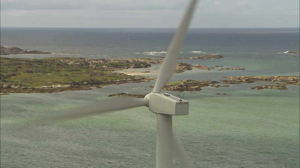 Wake Island 772879954-ulster-irlande-eolienne-energie-eolienne-sans-co2-cote-rocheuse