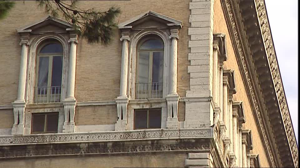 Des fenêtres d'hier et d'aujourd'hui. - Page 2 852064559-palazzo-farnese-renaissance-rome-cite-fenetre-architecture