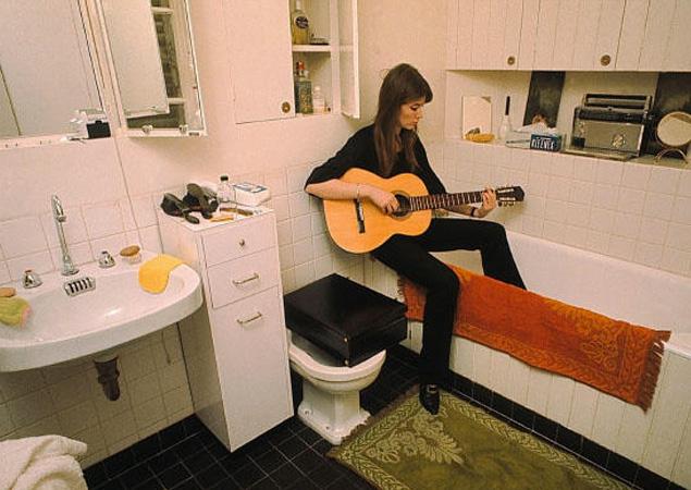 Advice for aspiring Francoise Hardys Francoise-hardy-guitar3