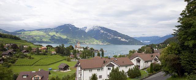 برن عاصمة سويسرا الأداريه Travel_tours_images_1356143296_865
