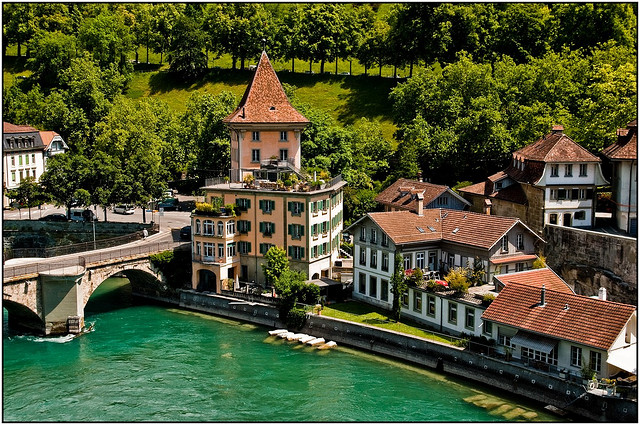 برن عاصمة سويسرا الأداريه Travel_tours_images_1356143298_210