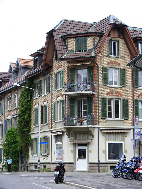 برن عاصمة سويسرا الأداريه Travel_tours_images_1356143300_852