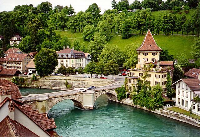 برن عاصمة سويسرا الأداريه Travel_tours_images_1356143312_806