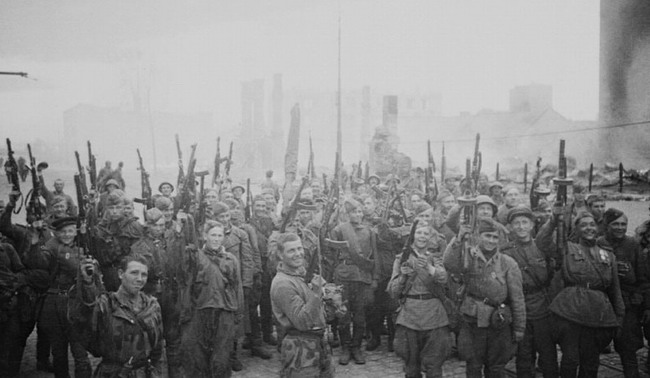 soldats soviétiques Post-1262958666