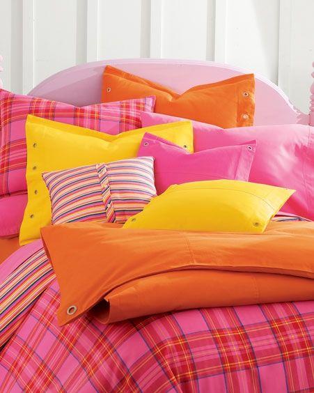 كيف تختارين وسادة السرير ؟ Hwaml.com_1342597613_688