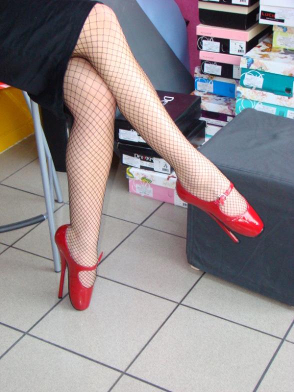 Причудливая обувь - Страница 2 106665d1244146355-dlya-devochek-norma-4-18-151580480