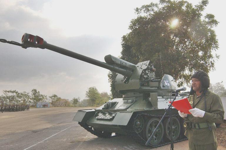 """""""Nora"""" izvozni adut srpske vojne industrije T-34___d-30m_cuba_215"""