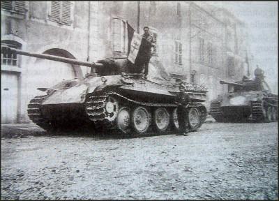 Un Ausf G marqué 2°DB T_pzbr112kopantherscaptureddompaire130944