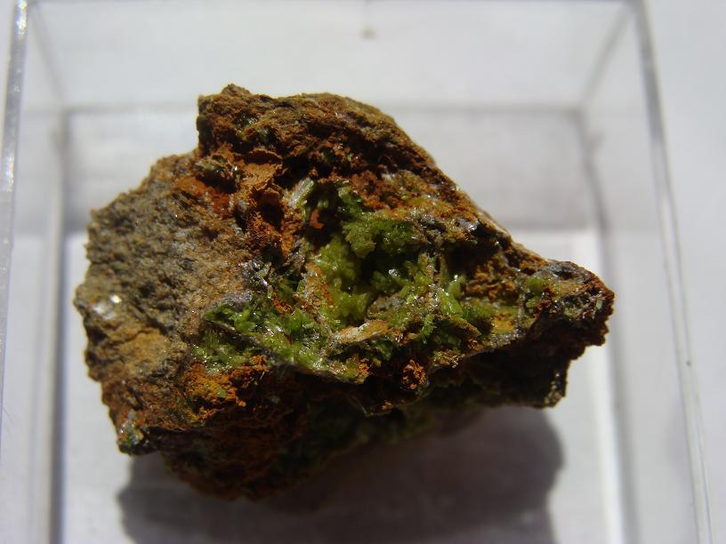 Pyromorphite de Longvilly et mine de plomb DSC03498