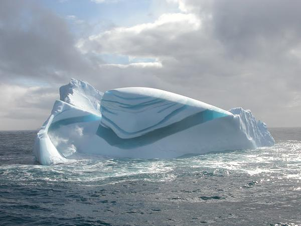 الجبال الجليدية  71be4b97977f959554b5efdded2deecc