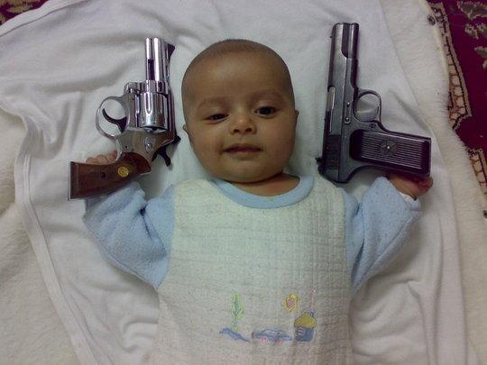 ارهاب الاطفال صور ارهاب الاطفال واجرامهم .. 117128_01231066978
