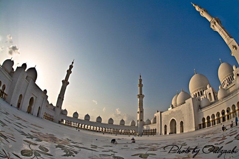 اكبر مسجد بالامارات والثالث عالمياً 7417_01209034285