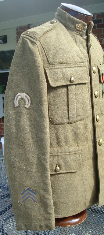 109th CFC Service Dress Tunic; did he get his medals? DSC04117