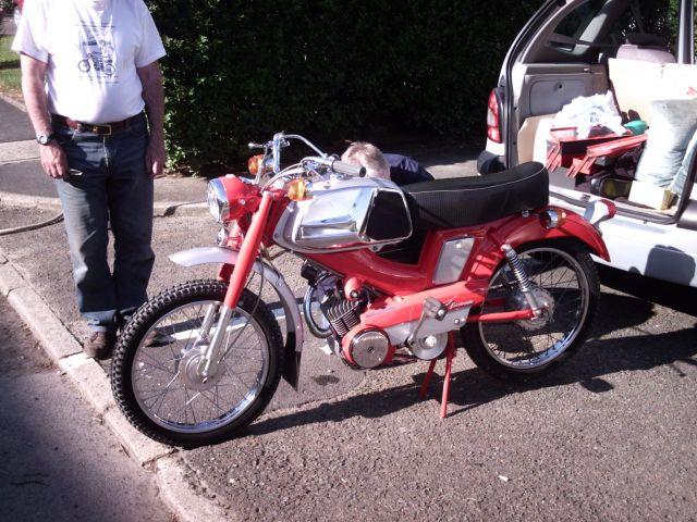 les 60 ans de la motobécane à st Quentin 26.194