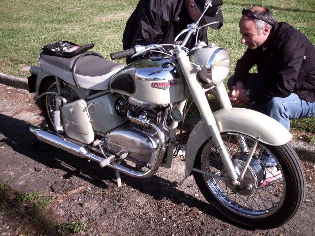 les 60 ans de la motobécane à st Quentin 26.199