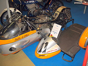 Salon moto légende à Vincenne (94) 22.20