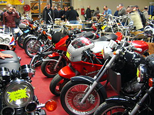 Salon moto légende à Vincenne (94) 22.27