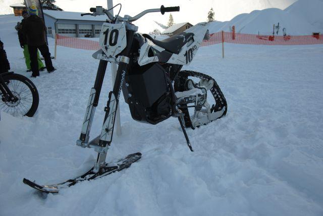 Moto électrique pour la neige 31.192