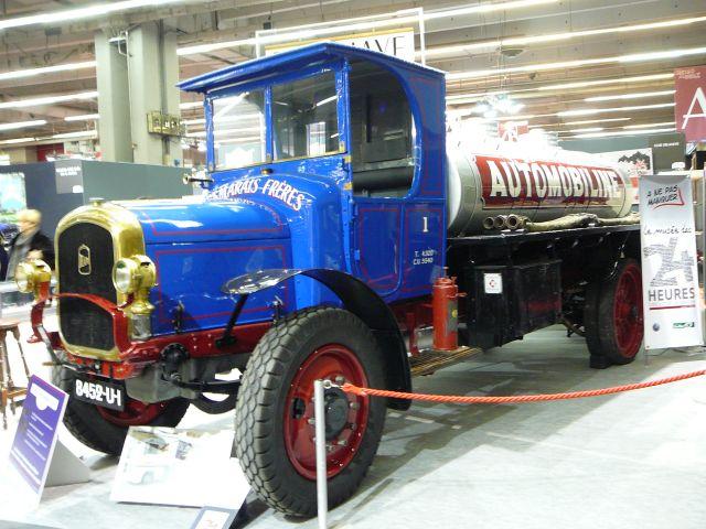 RétroMobile 2011 18.300