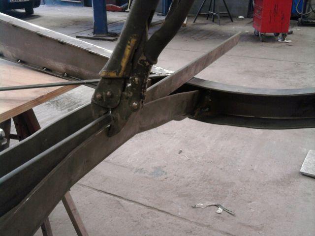 assemblage et fabrication d un châssis de Ford 32 roadster  - Page 3 25.224