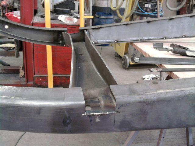 assemblage et fabrication d un châssis de Ford 32 roadster  - Page 3 25.240