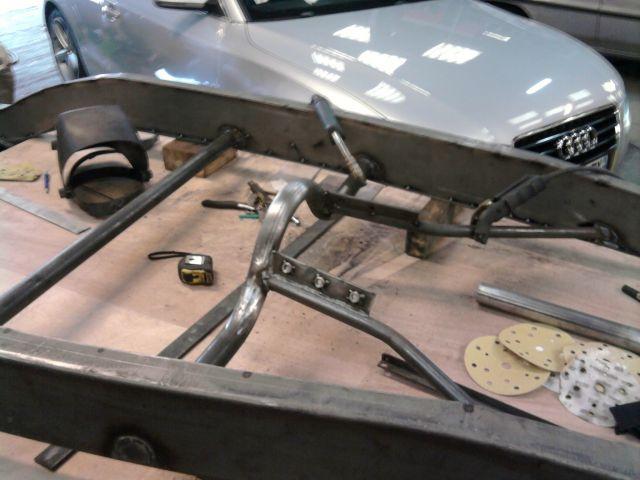 assemblage et fabrication d un châssis de Ford 32 roadster  - Page 3 26.282