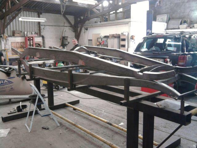 assemblage et fabrication d un châssis de Ford 32 roadster  - Page 3 30.111
