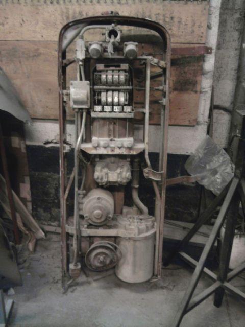 restauration pompe a essence  06.296