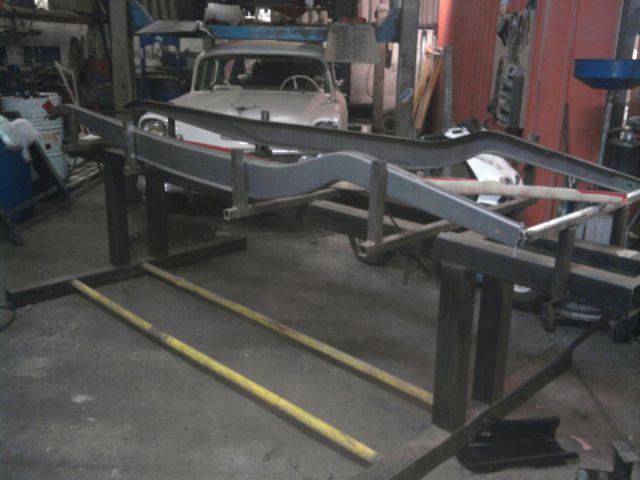 assemblage et fabrication d un châssis de Ford 32 roadster  - Page 4 08.198