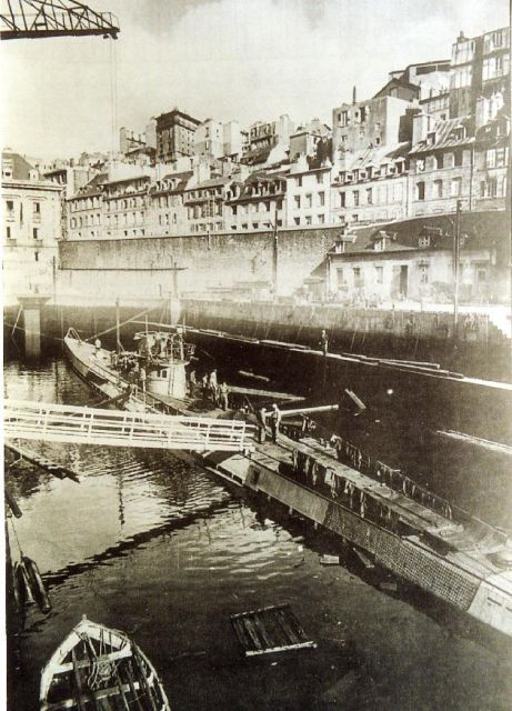 Brest en ruines... - Page 2 11.187
