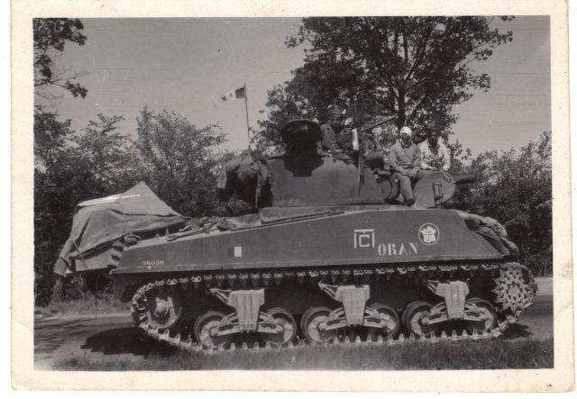 Recherche informations sur le M4A3 «Oran»12e cuir 02.110