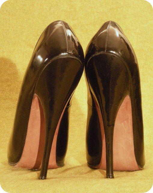 Les Chaussures de ces Dames... - Page 2 19.5