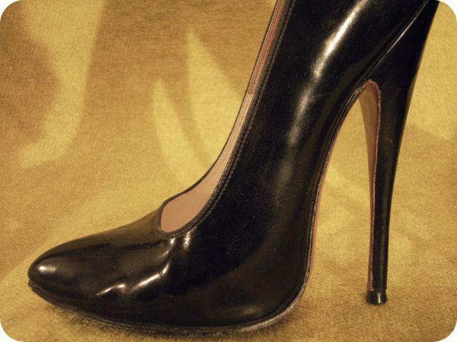 Les Chaussures de ces Dames... - Page 2 19.6